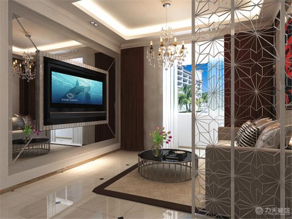 电视的周围用镜面装饰,拉伸视觉感。窗帘我们用褐色,呼应餐厅的餐桌椅和卧室的颜色。沙发背景墙用挂画装饰,周围用茶镜镶边,增加层次感。