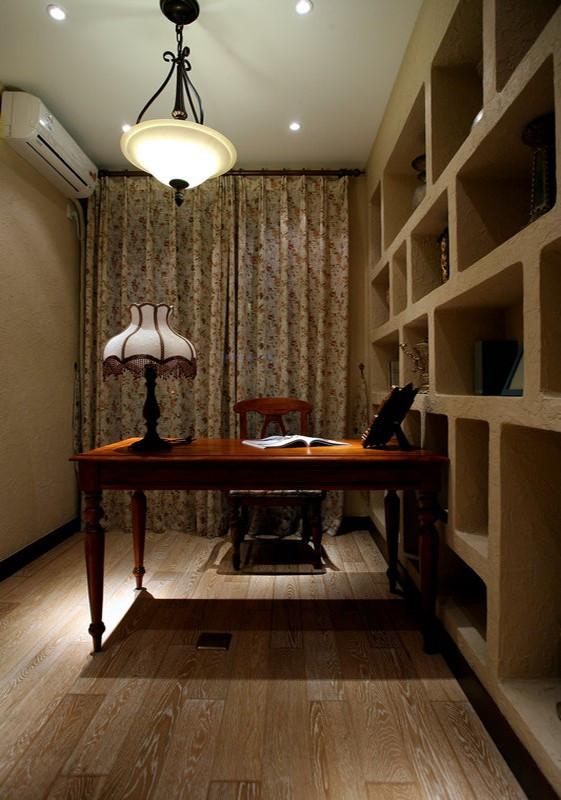 书房就是充分利用每一寸空间,流露出古老的文明气息。