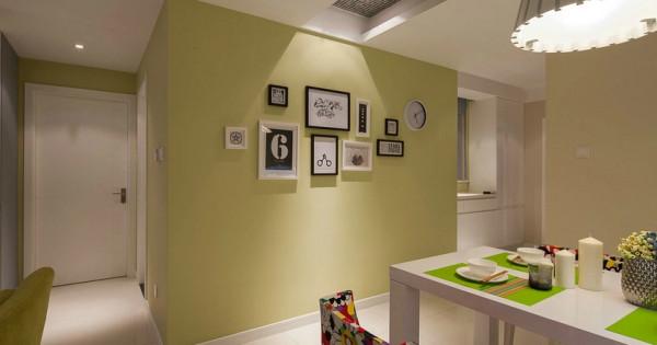 餐厅一角,照片墙很有创意,使整个空间看起来很时尚