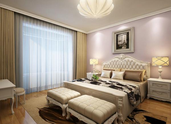 次卧室在硬装的设计上以简约为主,家具的软装配饰以欧式为主,看得出主人是酷爱欧式的浪漫情怀。