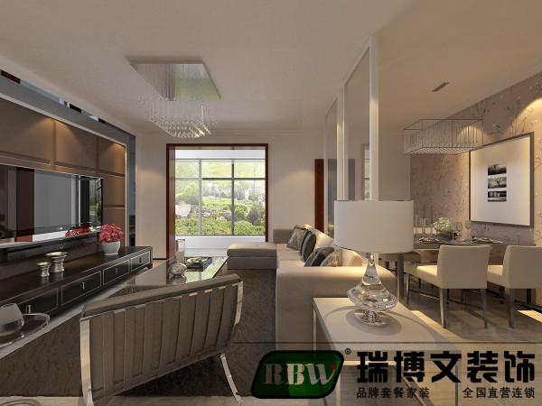 沙发背景墙相对于电视墙较长,正符合客户要去,在里测设计酒柜,增加储物空间的同时又满足了客户的需求。