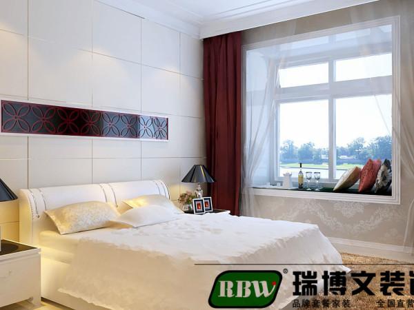 卧室主要注重功能性,家具摆放合理。