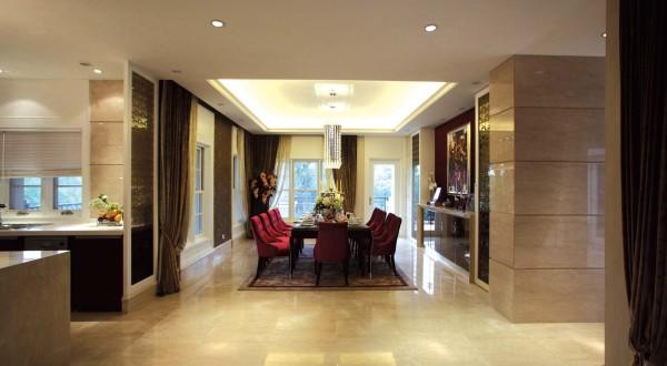 开放式接待空间, 各功能厅主次划分, 欧式华丽屏风很好的分割了会客厅与 起居室, 合理分配起居与公共空间