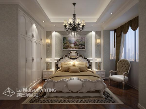 轻盈的窗帘,柔软的地毯,洁净的墙壁,线条优美的欧式大床,仿佛新鲜的葡萄酒味飘散在空气里,一切都是那么干净清爽。