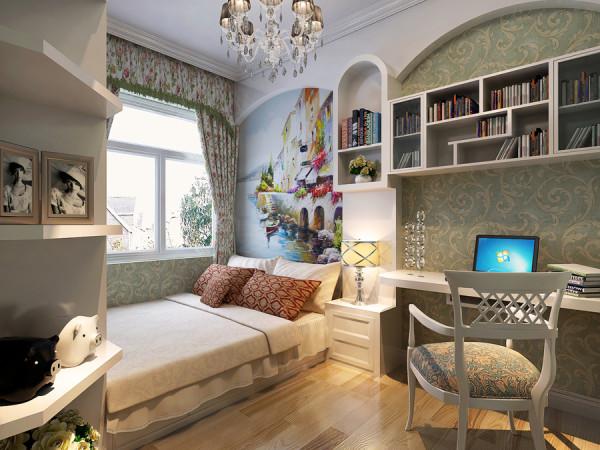 儿童房刚就更有氛围了,由于面积比较小,做了个地台当床,床的一头做成了衣柜,衣柜连着展示柜,用于放一些工艺品,床头与书桌连在一起,上面是书架,空间利用的非常好,这样大大的增加了室内的活动空间,床都省了。