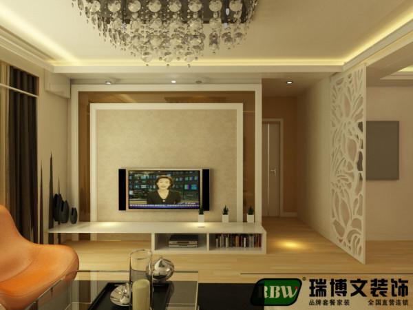 电视墙通过石膏线框和烤漆玻璃结合壁纸做的造型,餐厅区域针对餐桌位置做了设计,结合造型顶,层次清晰,且很好的区分了客餐厅功能分区。