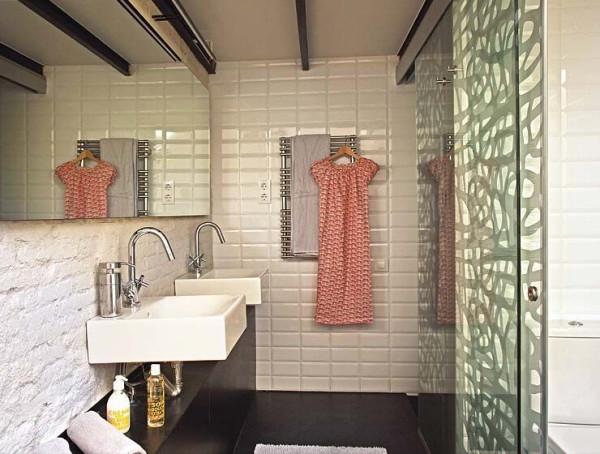 可以帮助你烘干毛巾和衣物的毛巾杆似乎成为了大多数人的浴室首选
