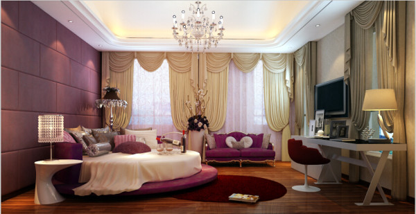 每个房间都精彩可期,公主女孩房,有别于客餐厅的富丽堂皇,公主房白色书桌、衣柜加以浅色云线连头窗帘及壁纸,线条勾勒柔和温馨之余亦有时尚之感。
