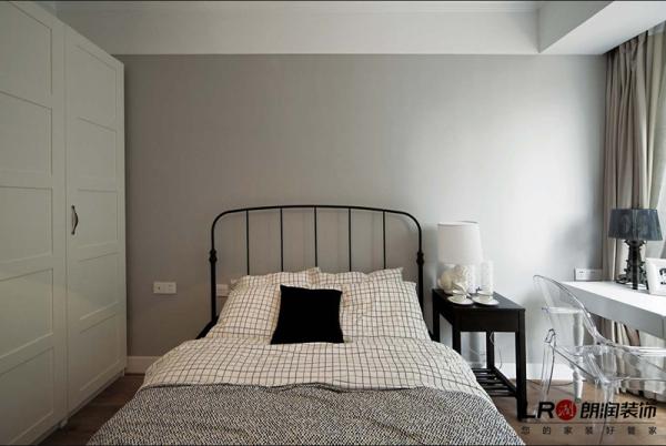 现代卧室一角,休息的地方,一张温暖大床,干净被褥,柔软枕头,能够好梦,就够了!