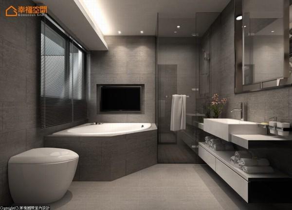 加大的洗手台面足以让两人一同梳洗,为重视泡澡压机能的屋主,引入窗外美景与视听机能。 (此为3D合成示意图)