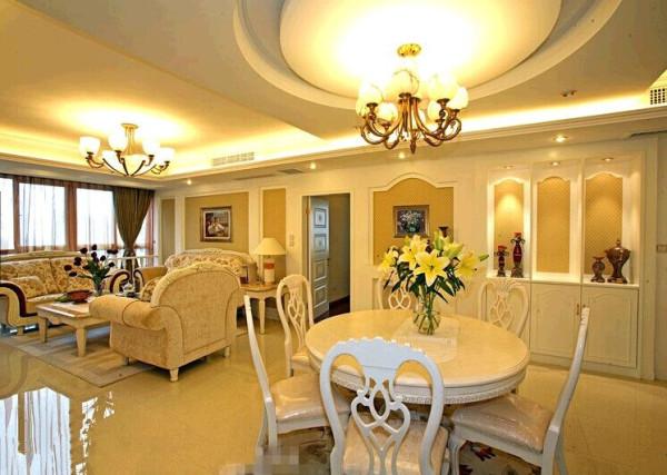 错落有致的结合给客厅整个空间营造住活泼温馨的氛围