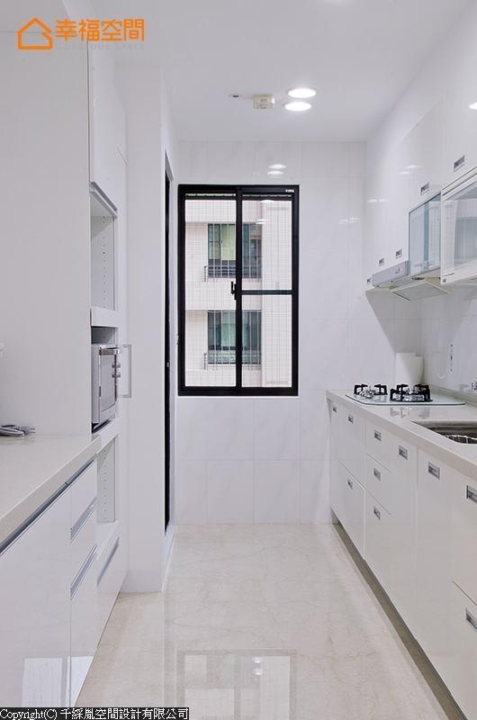 加入电器柜的厨房空间,再次落实了功能性要求。