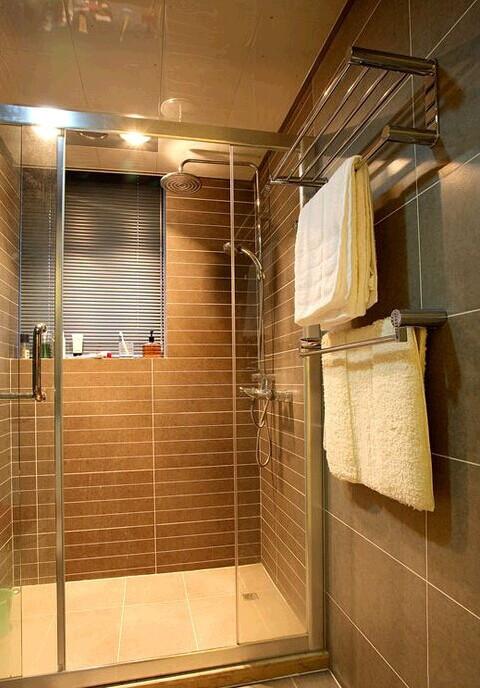 舒服方便的淋浴房