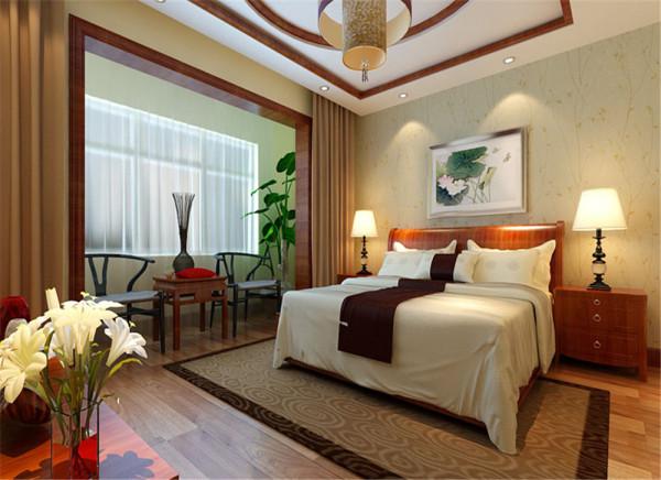 照片三卧室静雅卧室,惬意生活设计理念:天圆地方的中式吊顶,加以简单的实木脚线,让空间显得那么安静自然,休闲的阳台、白色的花朵、绿色的植物,让工作一天的身心,回归到了大自然的怀抱。