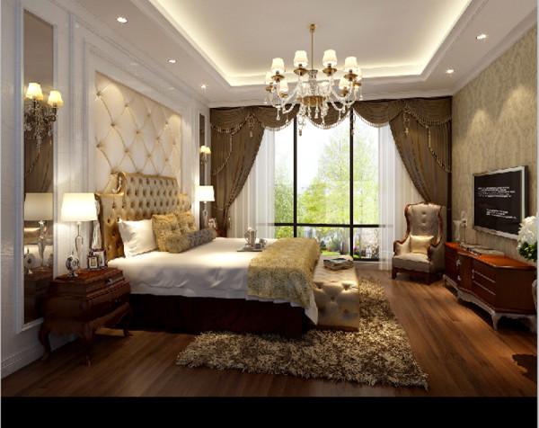 主卧中简欧风格的背景墙--细腻的包板、精致的皮质软包--毛绒质地的地毯和恬淡的卷叶草花纹墙纸--共同营造出宁静、平和的空间氛围