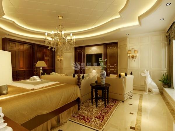 欧式客厅非常需要用家具和软装饰来营造整体效果,深色的橡木或枫木家具