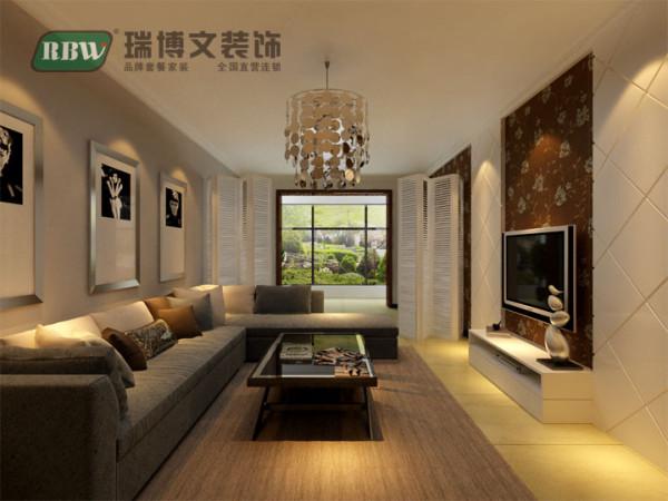 客厅空间较大,根据业主要求,单独设立出来一个空间,可作为活动卧室,偶尔居住。但要注意采光,屏风是不错的选择,根据入住需求选择开合。