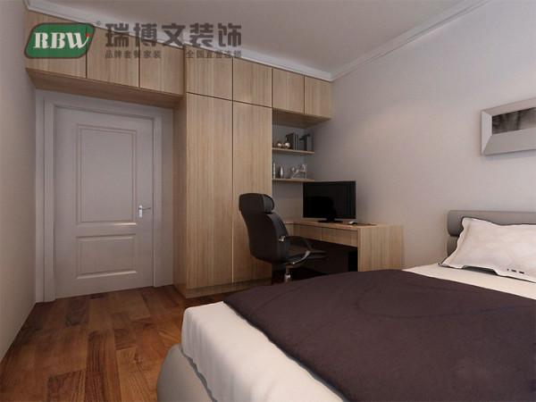 次卧兼顾卧室书房功能,现场制作大衣柜电脑桌,大衣柜兼顾简易书架。