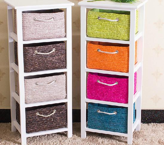 具有收纳,整理小物件功能的小储物柜,采用泡桐木制作,颜色饱和度高,时尚典雅,实木颗粒板边缘牢固抗冲击力抗静电能力好,安全性高。田园框架结构稳定性更好。