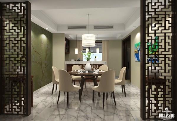 镂空的中式屏风作为客厅与餐厅的功能空间分割,以纸灯笼样式的吊灯营造中式的韵律,左侧的墨绿色白梅图与客厅墨绿色窗帘首尾呼应,保持了设计上的连贯性。