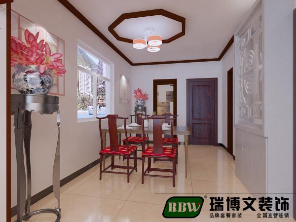 整个餐厅设计,颜色轻重合理,层次分明,墙面为白色,局部配红木家具,不呆板,每个细节充满新中式的设计。