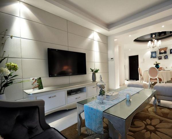 欧式设计的居室有的不只是豪华大气,更多的是惬意和浪漫。