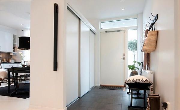 简单的复古挂钩不会让你的家看起来不协调,相反,这会在玄关制造别样的氛围。