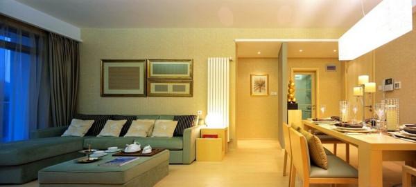 在卧室与卫生间中间打上隔断,制造空间的趣味。