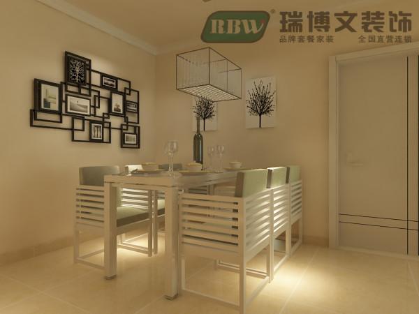 餐厅双层石膏线延展空间效果。