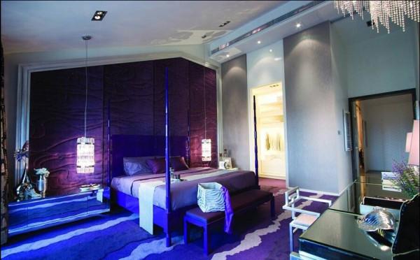 紫色主色调和祥云图案在这里有更广泛的应用。