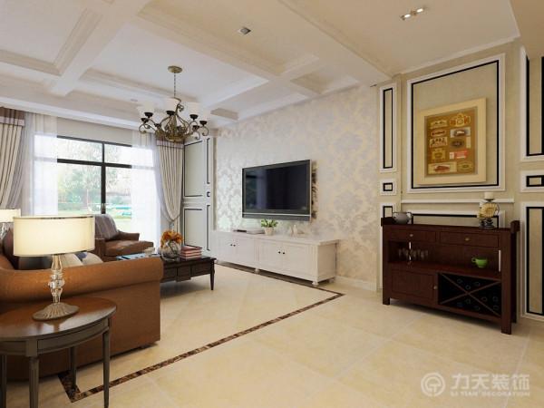 电视背景墙采用了浅色护墙板以及银光壁纸的结合,很具特色。客厅的吊顶做成了九宫格的形式,很好的区分了空间,并且带有很强的装饰性。