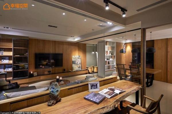 设计师特别挑选整块的实木作为桌面,并以自然的切面呈现原始况味。