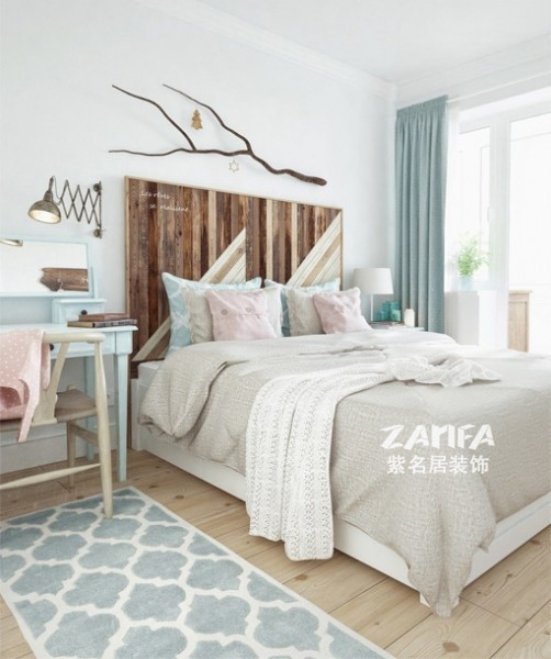 温暖的双人床,简单的艺术墙挂,窗外的风景无限好