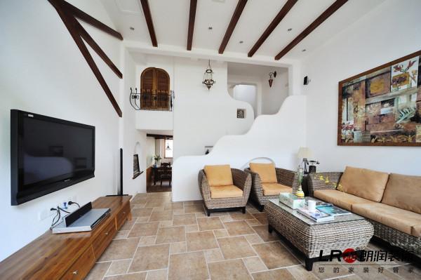 客厅楼梯视觉效果,感觉特别像童话故事里的美美的楼梯!