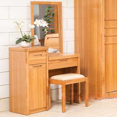 整体的原木色清新、自然。高低双台面设计寄提升化妆柜的层次感亦能给使用带来便捷。妆凳坐垫舒适,坐感极佳。