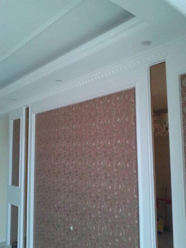 电视背景墙是墙纸加镜面