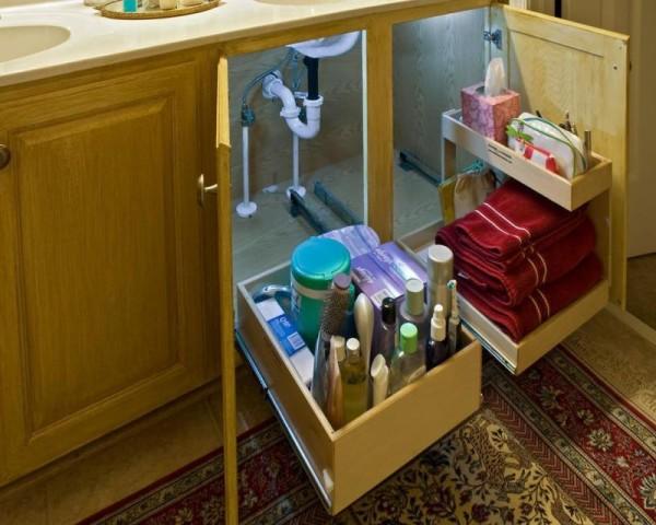 在水槽下柜装上这样的抽屉,找东西太方便了。