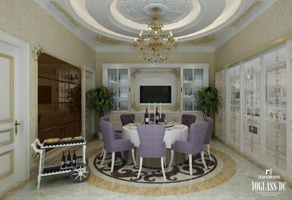 别墅客厅的设计也同样以奢华为主,只是相较而言,更加温馨,充分考虑到使用者进餐时的心情与就餐欲望。