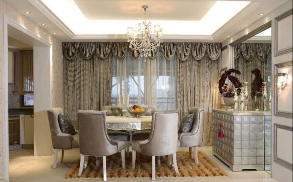 这个空间中灰色的元素并不暗淡,使用的亮面材料折射灯光,点两居室。
