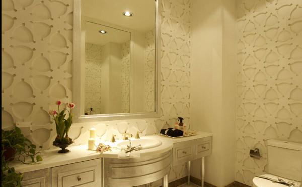 卫生间更是个不容忽视的装饰之地。在这一空间中设计师面临着更加不同的挑战。
