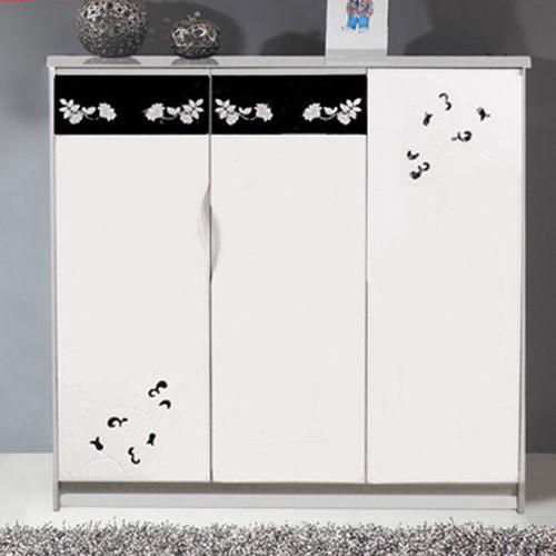 三开门设计,提高收纳空间。鞋柜花卉设计和独特的把手既独特又时尚。