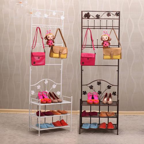 既可以是衣帽架也可以是鞋架,一架搞定收藏烦恼。铁艺花装饰带有些许浪漫欧洲风情。