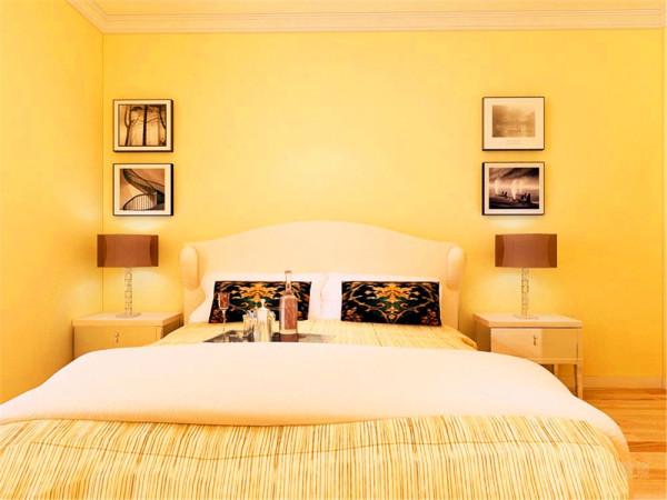 随着不同的时间段表现出灵活性、兼容性和流动性,如休憩空间和餐饮空间通过一个书架的夹层来分割,这是典型的现代空间设计手法。卧室简单黄色乳胶漆,与客厅统一