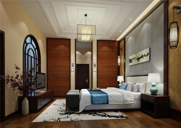 亮点:  镂空隔断把卧室分割为两个独立空间,显得流动不死板。沙发、宫灯、水墨画,一切显得古色古香。一株淡粉色植物给整个空间带来盎然生机。