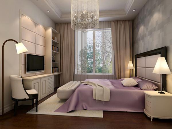卧室没有贵族的烙印,固定的衣橱、书架,利用现成窗台做成静沁茶室的休闲座,一切来得贴切自然,同时设计细节也是一种愉悦,整个空间质朴与时尚相互渗透,和谐共存