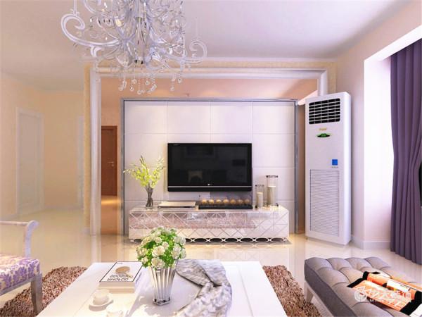 客厅与餐厅是整个在一个空间的格局。通过沙发背景墙等装饰,使整个家庭色调精彩。沙发墙运用壁纸和挂画各种装饰的表现形式,更加彰显业主的品味与内涵。