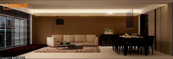 转入客厅,沙发右侧的矮柜是特别为花艺店的女主人设置的展示台,可以随时莳花弄草、呈现四季风情。 (此为3D合成示意图)