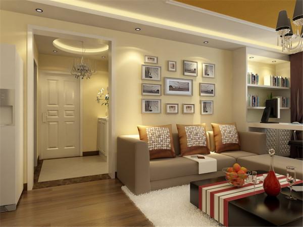 卧室床头背景墙和衣柜结合,是整个房间最有特色的地方。淡紫色的墙漆再配以现代的壁纸还有华丽的吊灯,使整个空间有了一种家的感觉,温馨又不失时尚。