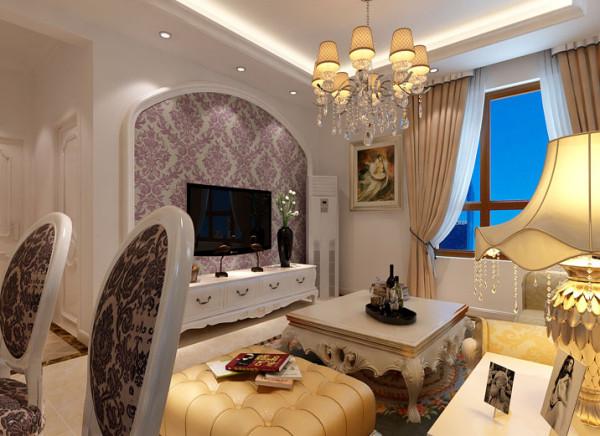 客厅的设计以简洁为主,细腻的实木线条配上欧式大花壁纸,家具色彩上也以白色为主减少传统欧式家具的厚重感。