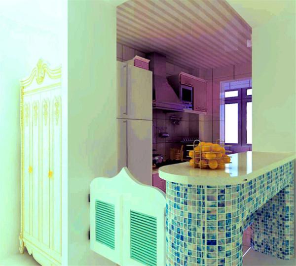 马赛克瓷砖拼贴的吧台与淡紫色的厨房相呼应,显得活泼调皮。